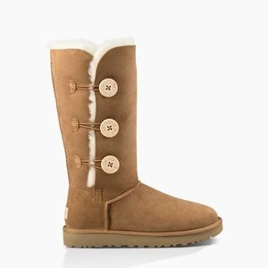 UGG BAILEY BUTTON TRIPLET II BOOT -size 5 chestnut